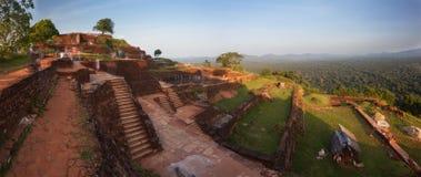 Vue panoramique du haut de roche de Sigiriya au coucher du soleil, Sri Lanka photos libres de droits
