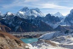 Vue panoramique du mont Everest et de lac Gokyo Image libre de droits