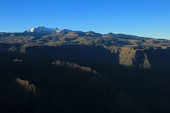 Vue panoramique du Pérou de canyon de Cotahuasi Photographie stock