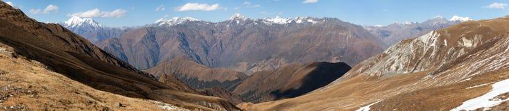 Vue panoramique du passage de Jang La pour abaisser la région de Dolpo Images stock