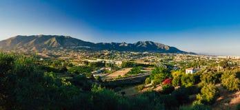 Vue panoramique du paysage urbain de Mijas à Malaga Images stock