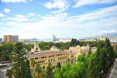 Vue panoramique du port de Malaga avec la ville hôtel au premier plan, Andalousie, Espagne Images stock