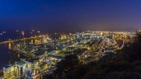 Vue panoramique du port de récipient dans le timelapse de Barcelone, Espagne clips vidéos