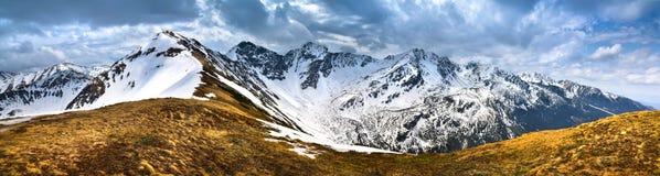 Vue panoramique du Tatra occidental couvert de neige Photographie stock