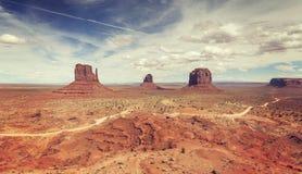 Vue panoramique stylisée de vintage de vallée de monument Images libres de droits
