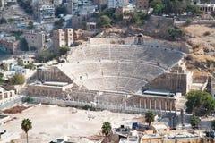 Vue panoramique sur l'amphithéâtre romain à Amman Photographie stock libre de droits