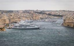 Vue panoramique sur l'horizon de Senglea, de Vittoriosa et de marina photographie stock libre de droits