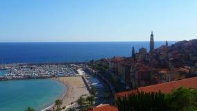 Vue panoramique sur la baie de Menton, la Côte d'Azur clips vidéos