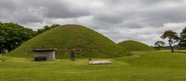 Vue panoramique sur la colline de tombe de Cheonmachong avec le monument principal Gyeongju, Cor?e du Sud, Asie photographie stock libre de droits