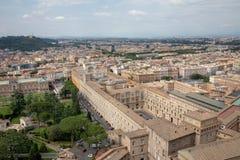 Vue panoramique sur Ville du Vatican de basilique papale de St Peter photo stock
