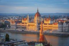 Vue panoramique vers Budapest au coucher du soleil Photographie stock