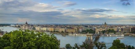 Vue panoramique vers Budapest au coucher du soleil Images libres de droits