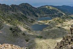 Vue panoramique vers des lacs Musalenski de crête de Musala, montagne de Rila Photographie stock libre de droits