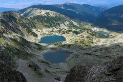 Vue panoramique vers des lacs Musalenski de crête de Musala, montagne de Rila Photographie stock