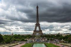 Vue panoramique vers Tour Eiffel à Paris, France image stock