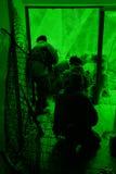 Vue par le dispositif de vision nocturne. Exe militaire Photos stock