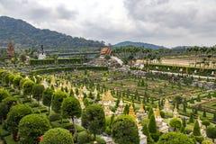 Vue pittoresque sur le jardin tropical de Nong Nooch Photos libres de droits