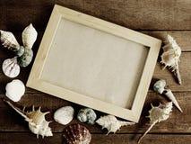Vue pour une photo dans un style marin sur le concept en bois d'été de fond Images stock