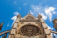 Vue principale de fenêtre rose dans la cathédrale gothique de Léon, Espagne Image libre de droits