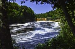 Vue profonde à la rivière photographie stock libre de droits