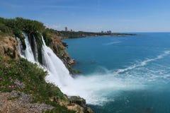 Vue renversante à la cascade de Duden à Antalya - en Turquie Photos stock