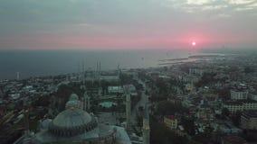 Vue a?rienne d'Istanbul, Turquie Hagia Sophia et mosquée bleue dans la place de Sultanahmet banque de vidéos