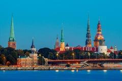 Vue Riga au coucher du soleil Photos stock