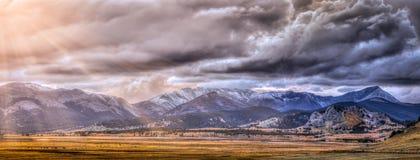vue rocheuse panoramique de montagnes Photo libre de droits