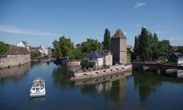 Vue romantique de la défectuosité de rivière - Strasbourg, France Photos libres de droits