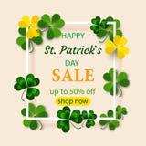 Vue ronde de jour du ` s de St Patrick avec le vert quatre et trèfles de feuille d'arbre d'isolement sur le fond blanc Illustrati illustration stock