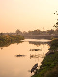 Vue rurale de rive de la Thaïlande Image stock