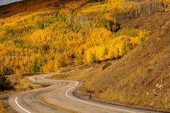Vue scénique aux montagnes sur le chemin détourné 12 en Utah, Etats-Unis Images stock