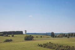 Vue scénique avec la tour Photographie stock