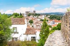 Vue scénique d'été dans Obidos, secteur de Leiria, Portugal Photographie stock libre de droits
