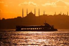 Vue scénique d'Istanbul au coucher du soleil Photos stock