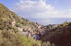 Vue scénique de baie de Taormina Photo libre de droits