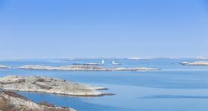 Vue scénique de côte suédoise Images libres de droits