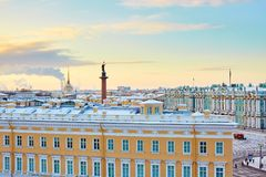 Vue scénique de la place de palais à St Petersburg Photo libre de droits