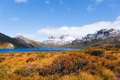 Vue scénique de montagne de berceau, Tasmanie Photos stock