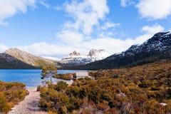 Vue scénique de montagne de berceau, Tasmanie Photos libres de droits