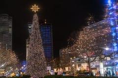 Vue scénique de nuit de Kaiser Wilhelm Memorial Church à Noël Photographie stock