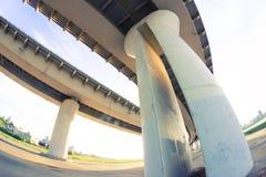 Vue sous le grand pont photo libre de droits