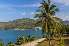 Vue stupéfiante de cap de Promthep à Phuket images stock