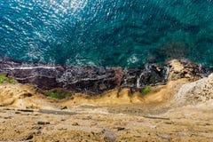 Vue supérieure aérienne de mer avec l'eau de mer de turquoise photo libre de droits