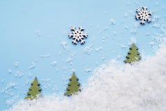 Vue supérieure Décor pendant des vacances d'hiver sur un fond bleu Photo libre de droits