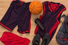 Vue supérieure d'équipement de joueur de basket Images stock
