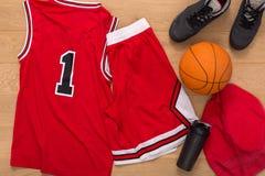 Vue supérieure d'équipement de joueur de basket Photo stock