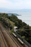 Vue supérieure d'assiette de la route ferroviaire images libres de droits