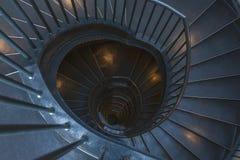Vue supérieure d'escalier en spirale en métal photo stock