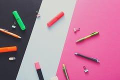 Vue supérieure d'espace de travail créatif, papeterie Photographie stock libre de droits